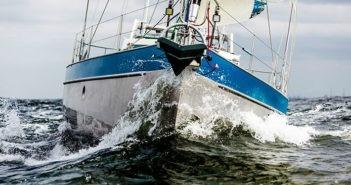 andare a lavorare in barca a vela